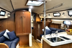 blue_jacket_40_yacht_main_saloon