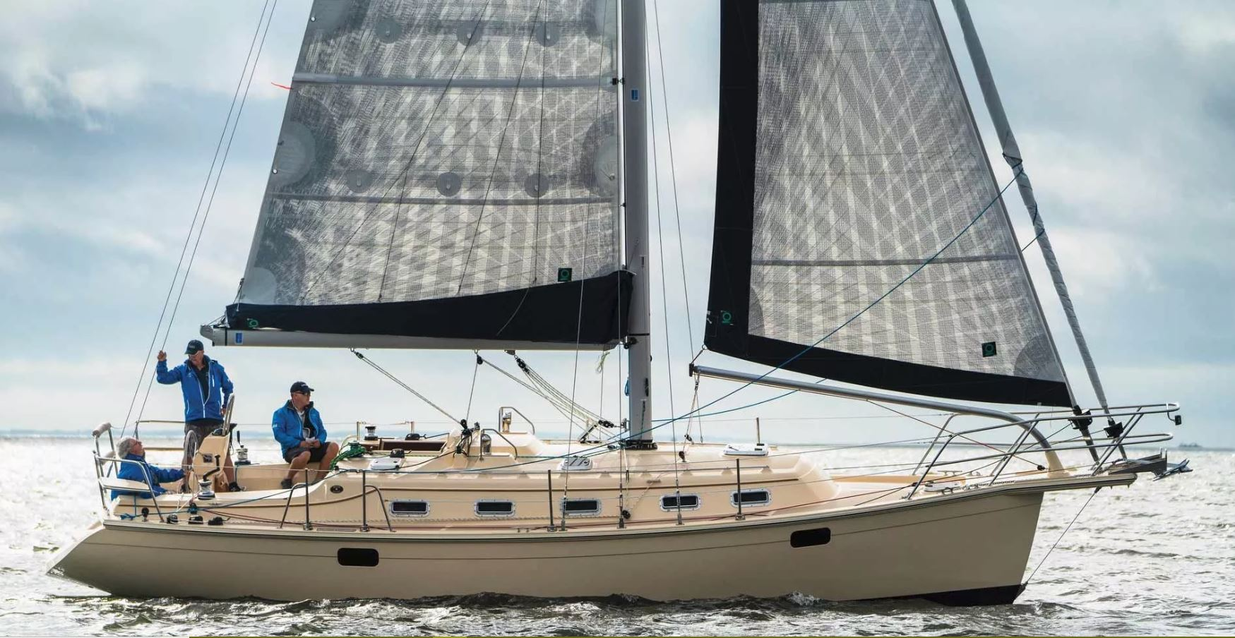 Island Packet 349 - Cruising World Boat of the Year 2019 x 2